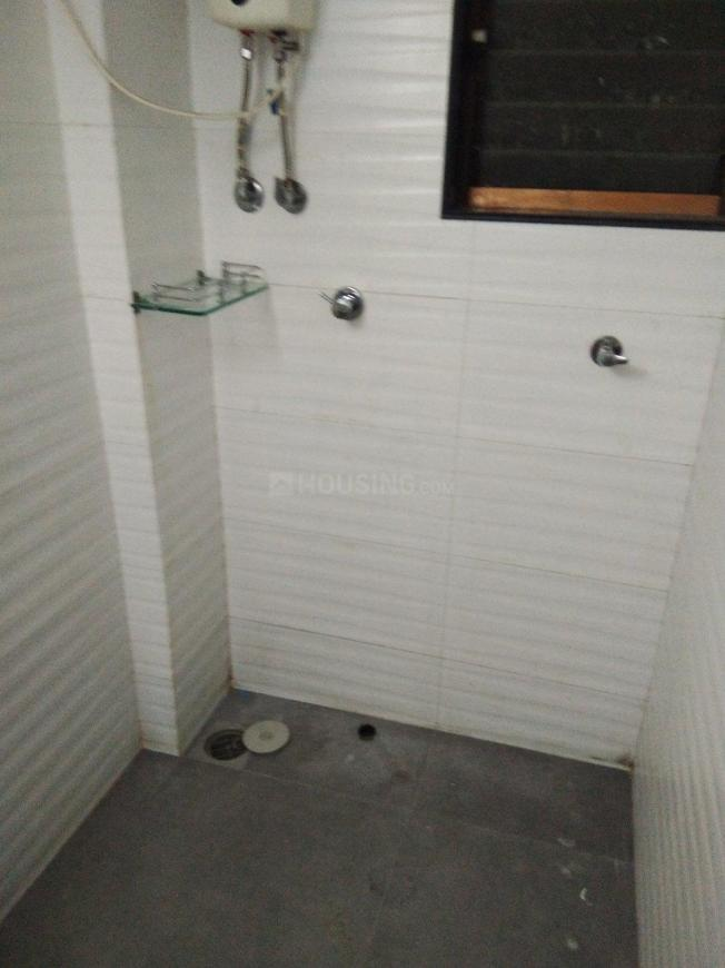Common Bathroom Image of 700 Sq.ft 1 BHK Apartment for rent in Chembur for 32000
