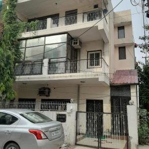Gallery Cover Image of 1367 Sq.ft 5+ BHK Villa for buy in Sector 20 for 19000000