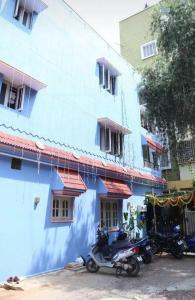 Gallery Cover Image of 780 Sq.ft 2 BHK Independent House for buy in  B G Chandrashekaraiah Layout, Mahadevapura for 9800000