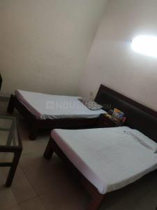 Bedroom Image of Romit PG in Sector 63