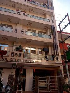 Gallery Cover Image of 851 Sq.ft 2 BHK Apartment for rent in Rajendra Nagar for 10005