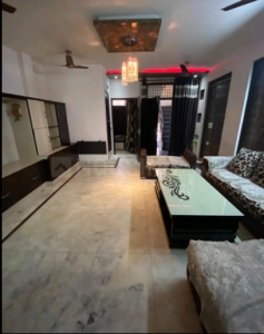 Gallery Cover Image of 2700 Sq.ft 4 BHK Independent Floor for buy in Paschim Vihar for 30000000