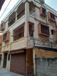 Gallery Cover Image of 7000 Sq.ft 6 BHK Independent House for buy in Beliaghata for 30000000