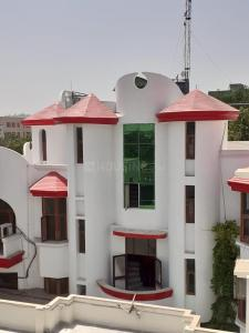 Gallery Cover Image of 2400 Sq.ft 4 BHK Independent Floor for rent in Sector 39 for 54000