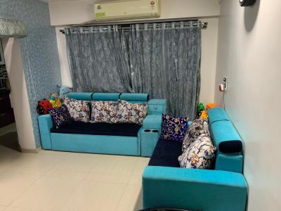 Gallery Cover Image of 640 Sq.ft 1 BHK Apartment for buy in Kasarvadavali, Thane West for 7200000