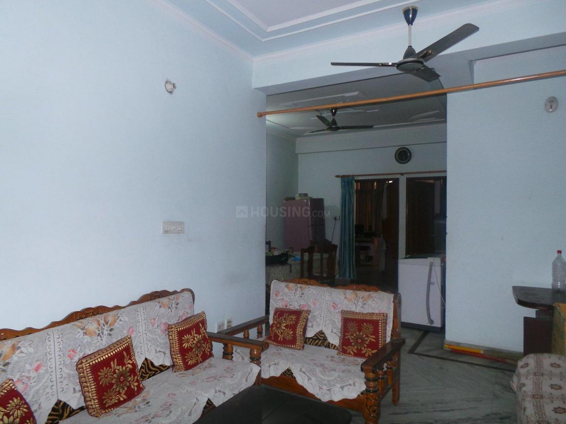 Living Room Image of 1415 Sq.ft 3 BHK Apartment for buy in Nehru Nagar for 7500000