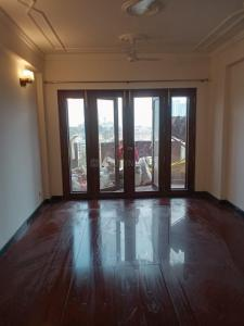 Gallery Cover Image of 1650 Sq.ft 3 BHK Apartment for rent in Oasis, Sector 55 for 32000