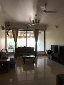 Gallery Cover Image of 1320 Sq.ft 2 BHK Apartment for rent in Bandra West for 100000