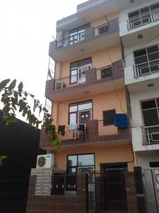 Gallery Cover Image of 700 Sq.ft 1 BHK Independent Floor for rent in Sector 63 for 8000