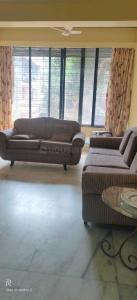 Gallery Cover Image of 750 Sq.ft 1 BHK Apartment for rent in Vile Parle West for 50000