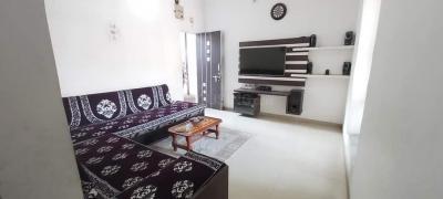 Bedroom Image of Meena PG Accommodation in Naranpura