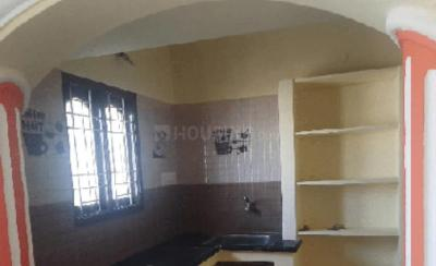 Gallery Cover Image of 400 Sq.ft 1 BHK Independent Floor for rent in Thiruthavali for 3500