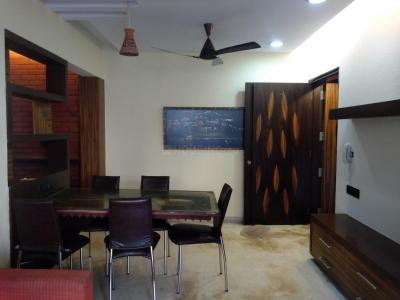 Gallery Cover Image of 610 Sq.ft 2 BHK Apartment for rent in Andheri West for 65000