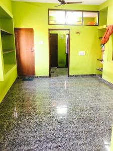 Gallery Cover Image of 600 Sq.ft 1 BHK Independent Floor for rent in Vadapalani for 12000