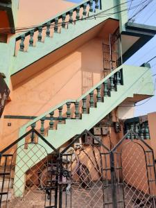 Gallery Cover Image of 2600 Sq.ft 3 BHK Independent House for buy in Warasiya for 11000000