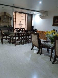 Gallery Cover Image of 2600 Sq.ft 4 BHK Independent Floor for buy in New Friends Colony for 62500000