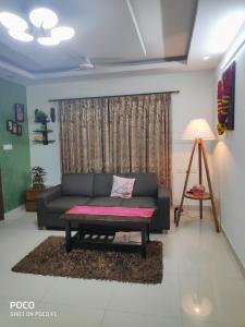 Gallery Cover Image of 1750 Sq.ft 3 BHK Apartment for rent in Banaswadi for 32000