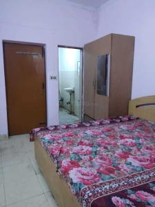 Gallery Cover Image of 1100 Sq.ft 1 RK Independent House for rent in Sector 19 for 11000