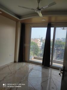 Gallery Cover Image of 1300 Sq.ft 3 BHK Independent Floor for rent in RWA East of Kailash Block E, Greater Kailash for 50000