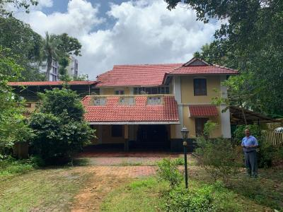 Gallery Cover Image of 4000 Sq.ft 5 BHK Independent House for rent in Capital Gardens, Punkunnam for 50000