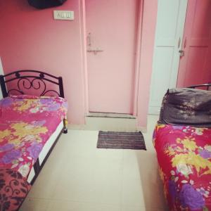 Bedroom Image of My Homes Ladies PG in Wadgaon Sheri