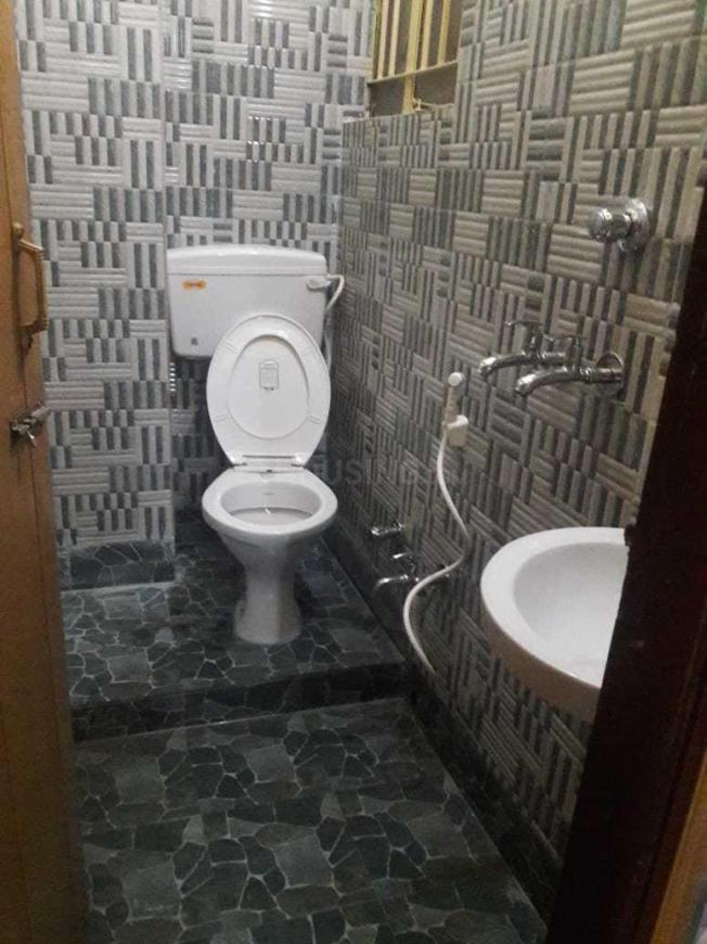 Common Bathroom Image of 900 Sq.ft 2 BHK Apartment for rent in Garia for 13000