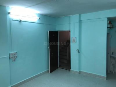Gallery Cover Image of 650 Sq.ft 1 BHK Apartment for rent in Karve Nagar for 20000