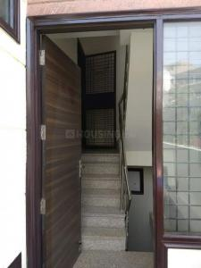 Gallery Cover Image of 1900 Sq.ft 3 BHK Independent Floor for rent in Chhattarpur for 25000