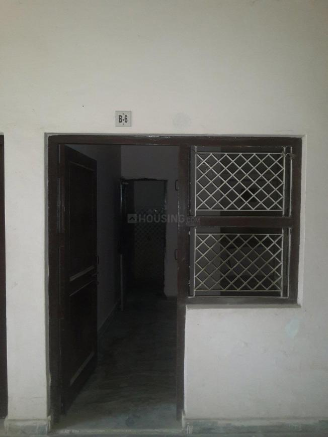 Main Entrance Image of 330 Sq.ft 1 RK Apartment for rent in Sector 66 for 4000