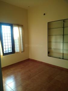 Gallery Cover Image of 600 Sq.ft 1 BHK Independent House for rent in Casa Langforde, Shanti Nagar for 14500