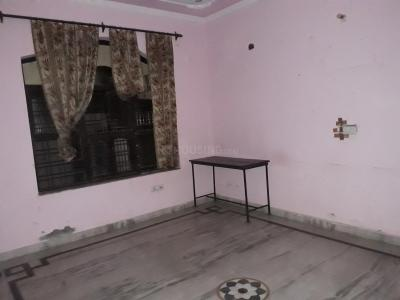 Gallery Cover Image of 500 Sq.ft 1 RK Independent Floor for rent in Sector 7 for 7999
