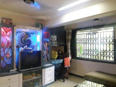 Gallery Cover Image of 590 Sq.ft 1 BHK Apartment for buy in Malad East for 10500000