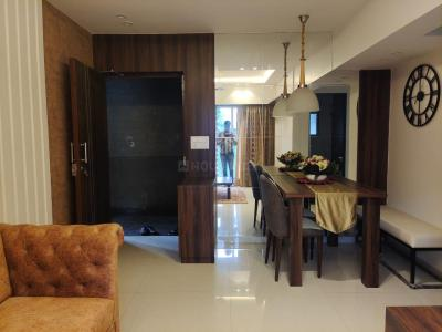 Gallery Cover Image of 682 Sq.ft 1 BHK Apartment for buy in Thane West for 9820000