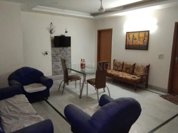 सेक्टर 23 में क्लोथिंग पीजी के लिविंग रूम की तस्वीर
