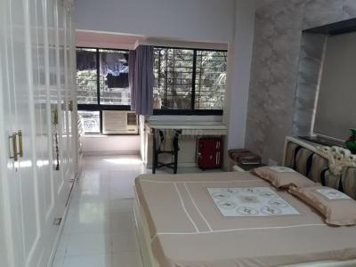 Gallery Cover Image of 2300 Sq.ft 2 BHK Apartment for rent in Juhu for 150000