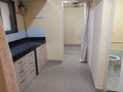 म्हाड़ा बिल्डिेग, कांदिवली वेस्ट  में 5150000  खरीदें  के लिए 5150000 Sq.ft 1 BHK अपार्टमेंट के किचन  की तस्वीर