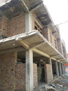 Gallery Cover Image of 750 Sq.ft 2 BHK Apartment for buy in Sector 105 for 2800000