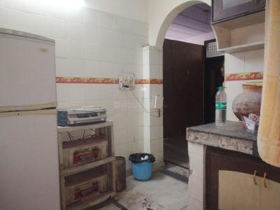 लक्ष्मी नगर में देव पीजी के किचन की तस्वीर