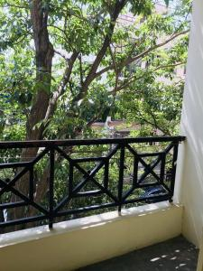Gallery Cover Image of 650 Sq.ft 1 BHK Independent Floor for rent in Indira Nagar for 13000