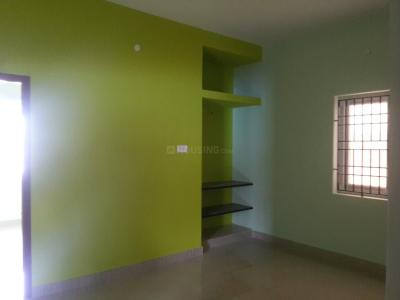 Gallery Cover Image of 780 Sq.ft 2 BHK Apartment for rent in Kattupakkam for 9000