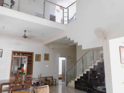 Gallery Cover Image of 3500 Sq.ft 4 BHK Villa for rent in Kumar Picasso Tower A B1 B2 E O1 O2, Hadapsar for 45000
