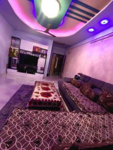 Gallery Cover Image of 2250 Sq.ft 3 BHK Apartment for buy in Gayatri Maitri Shiv Greens, Motera for 9900000
