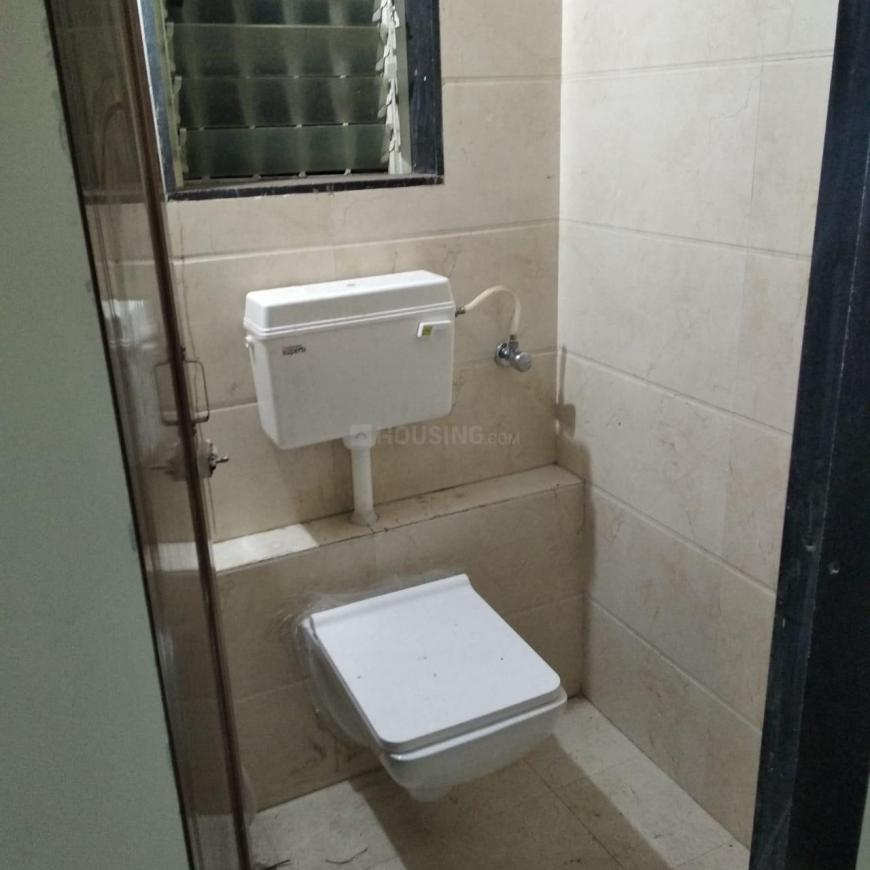 Common Bathroom Image of 705 Sq.ft 1 BHK Apartment for rent in Taloje for 6500