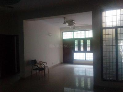 Gallery Cover Image of 6000 Sq.ft 6 BHK Villa for rent in Sector 44 for 90000