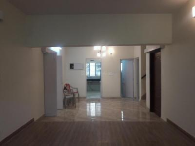 Gallery Cover Image of 1600 Sq.ft 4 BHK Independent Floor for rent in Sarita Vihar for 45000