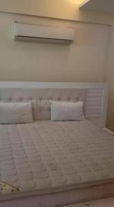 Gallery Cover Image of 2704 Sq.ft 4 BHK Apartment for rent in DLF Park Place, Sector 54 for 100000