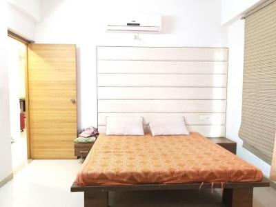Gallery Cover Image of 1257 Sq.ft 2 BHK Apartment for rent in Bodakdev for 20500