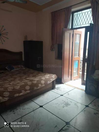 तिलक नगर इन गणेश नगर में जसप्रीत पीजी फॉर गर्ल्स के बेडरूम की तस्वीर