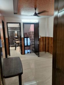 Gallery Cover Image of 756 Sq.ft 2 BHK Independent Floor for rent in Shalimar Bagh for 20000