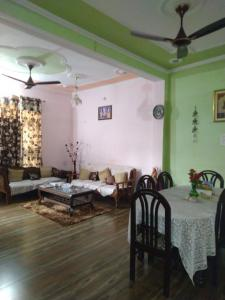 Gallery Cover Image of 3000 Sq.ft 4 BHK Villa for rent in Shivalik Nagar for 30000